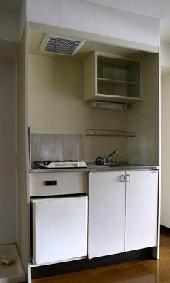47 キッチンを手軽にリフォーム 施工前.jpeg