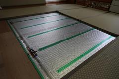 46 床暖房用カラー畳ヘリ付  施行中.JPG