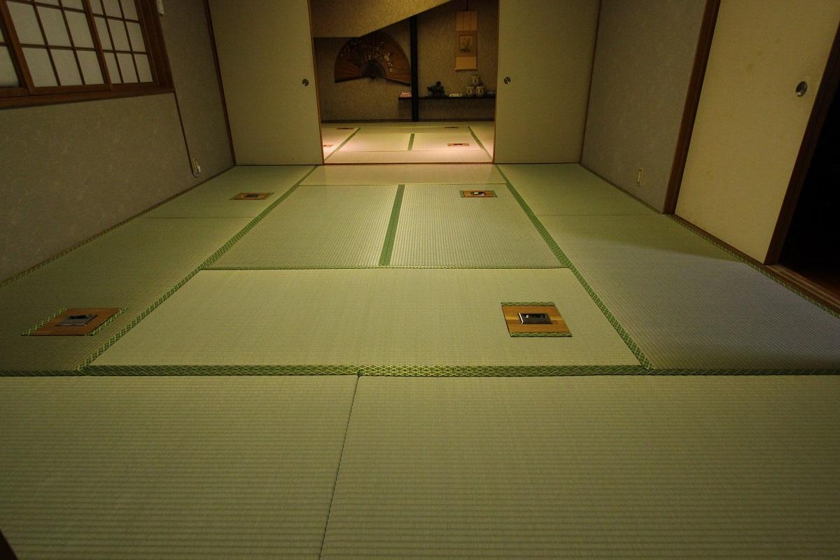 http://tatami-ya.net/entry-image/ecfe8828864053ae7f2acb47a67da9c40c71b9d8.JPG